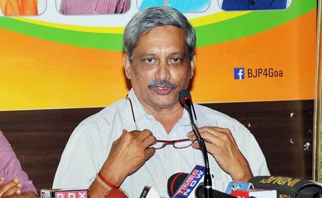 गोवा के मुख्यमंत्री मनोहर पर्रिकर ने बताई स्कूटर नहीं चलाने की असली वजह...