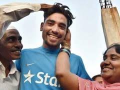 सपने जैसा रहा ऑटो ड्राइवर के बेटे सिराज का IPLका सफर, सनराइजर्स ने 2.6 करोड़ रुपये में खरीदा