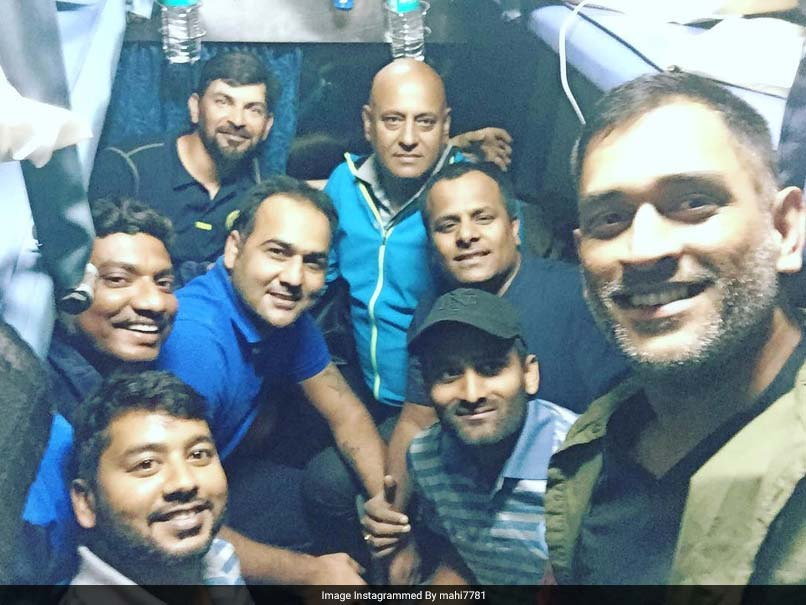 MS Dhoni Traveled in Train with Jharkhand Team for Vijay Hazare Trophy