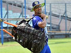 MS Dhoni Trains With Jharkhand Teammates Ahead of Vijay Hazare Trophy