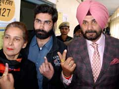 Punjab Polls 2017: Navjot Singh Sidhu Allegedly 'Violates' Model Code