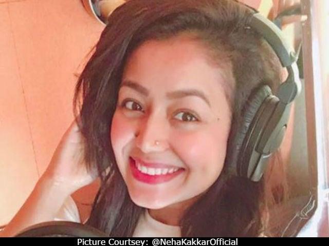Neha Kakkar Explains Why She Broke Down While Singing At A Wedding