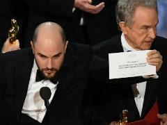 ऑस्कर 2017 में हुई बड़ी चूक, प्रेजेंटर ने 'मूनलाइट' की जगह 'ला ला लैंड' को बताया बेस्ट फिल्म