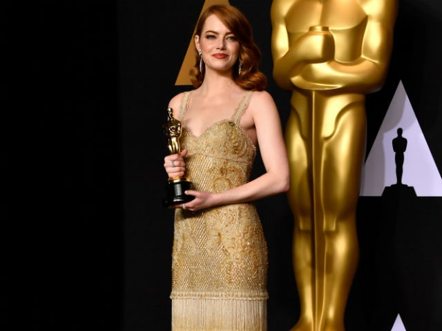 What Emma Stone Said Backstage Makes Envelope Blooper More Confusing