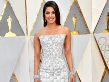 Oscars 2017: 89th Academy Awards - Priyanka Chopra's Red Carpet Dress Looks Like <i>Kaju Katli</i>, Thinks AIB. Twitter Agrees