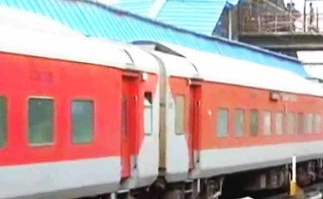 Robbery In Delhi-Patna Rajdhani Express Near Buxar In Bihar