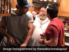 करीना कपूर के लिए खाना बनाते दिखे पति सैफ अली खान और भाई रणबीर कपूर, देखें फोटो