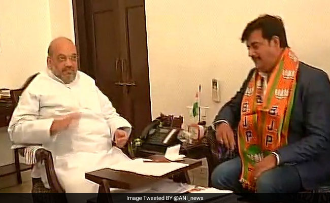 Bhojpuri Actor Ravi Kishan, Congress Candidate In 2014, Formally Joins BJP