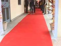 Red Carpet Treatment In Amarinder Singh's Polling Booth. Why That's Okay