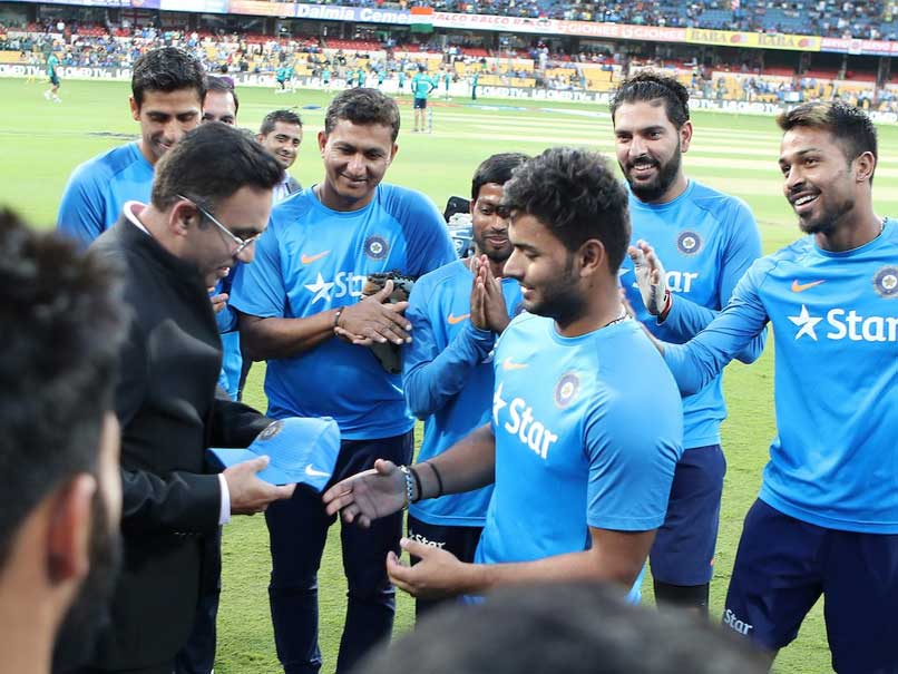India vs England 3rd T20I: Rishabh Pant Youngest To Make T20I Debut For India