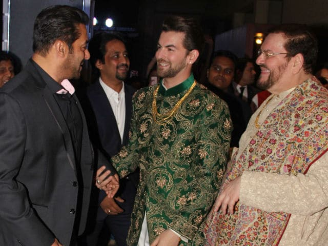Replug: Salman Khan At Neil Nitin Mukesh's Wedding Reception