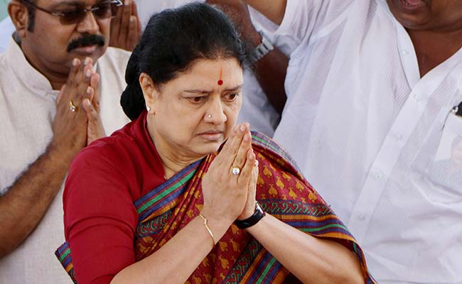 Raid On VK Sasikala's Family Continues On Day 4