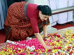 Jailed Sasikala Wins, Proxy E Palaniswami To Take Oath This Evening
