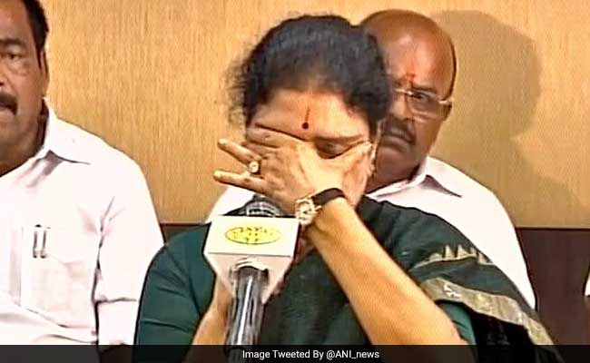 Sasikala Breaks Down, Says 'Will Think Of Party Wherever I Am'