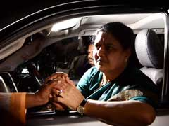 VK Sasikala Returns Home, Likely To Surrender In Bengaluru Today: 10 Points