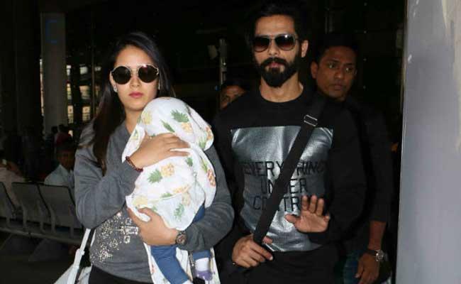 पापा शाहिद ने बेटी मीशा के साथ की पूल मस्ती, देखें फोटो