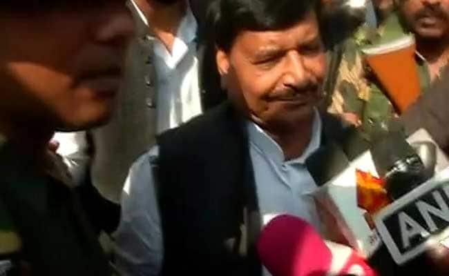 शिवपाल यादव को राष्ट्रीय कार्यकारिणी से बाहर का रास्ता दिखाया गया