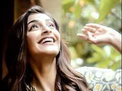 क्या आपने देखा सोनम कपूर का कथित बॉयफ्रेंड आनंद अहूजा के साथ का यह वीडियो...