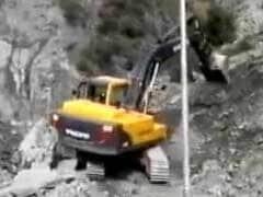 Landslide Blocks Jammu-Srinagar Highway Yet Again, 2,000 Vehicles Trapped