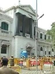 சிமென்ட், உரம், மருந்து உள்பட 13 தொழிற்சாலைகள் இயங்க தமிழக அரசு அனுமதி!!