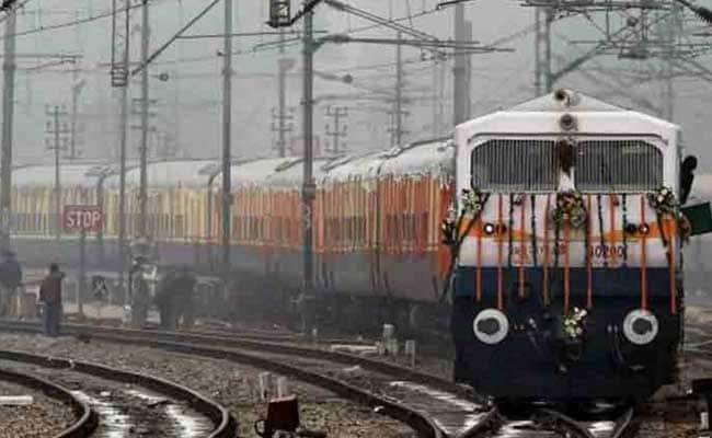 नई खानपान नीति में यात्रियों को बेहतरीन खाना मुहैया कराएगा रेल विभाग