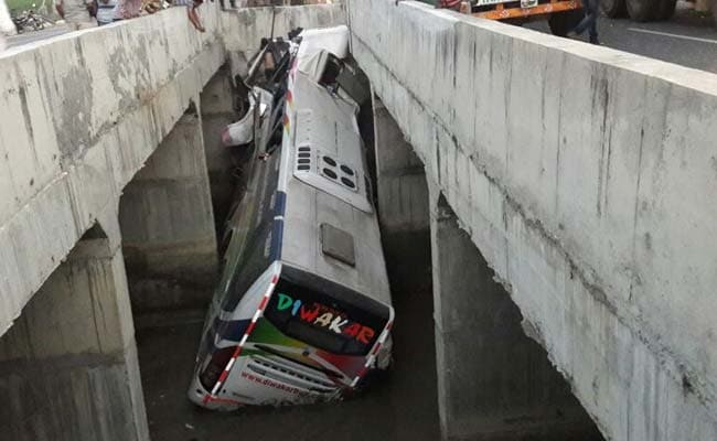 10 killed, 30 injured as bus falls into canal in Andhra Pradesh