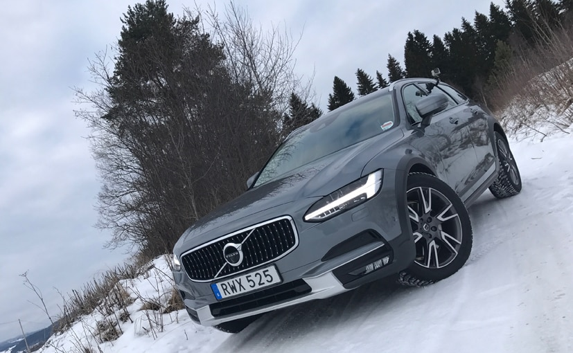 volvo v90 cross country front facia