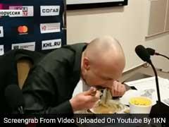 जब कैमरे के सामने अपना ही अखबार खाने को मजबूर हुआ पत्रकार