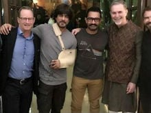 Shah Rukh And Aamir Khan 'Chill' With Netflix CEO Reed Hastings
