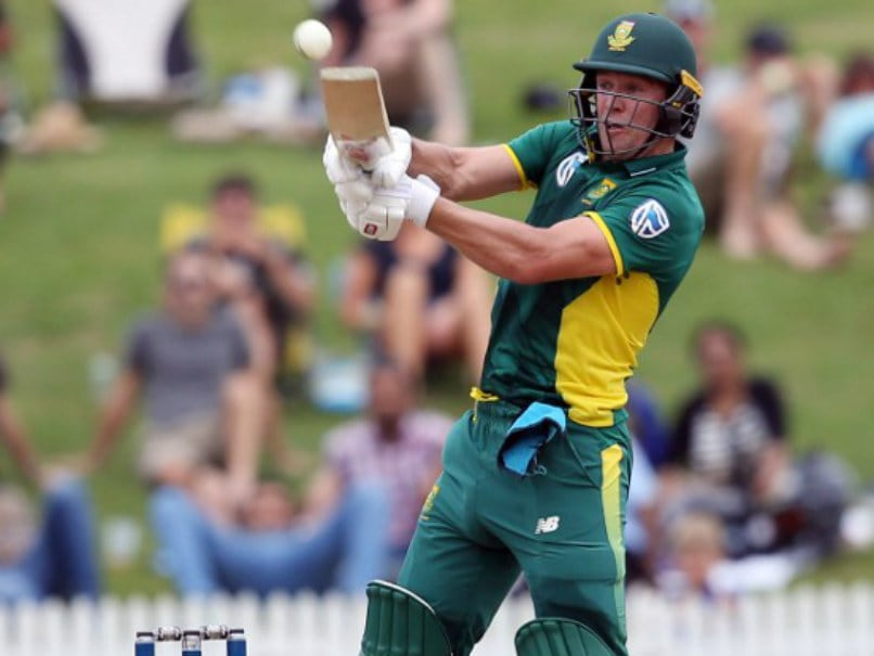 AB de Villiers Pulls Out of South Africas Domestic ODI Tournament With Injury