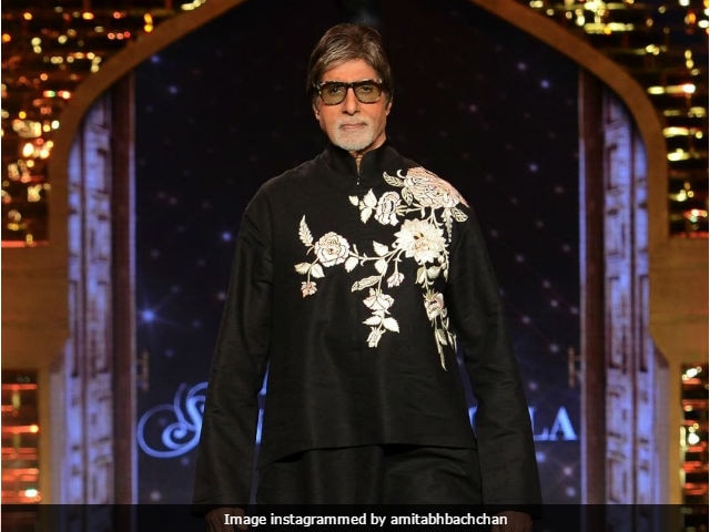 On International Women's Day, Amitabh Bachchan Reminds Us That 'Hero' Minus 'Her' Is...