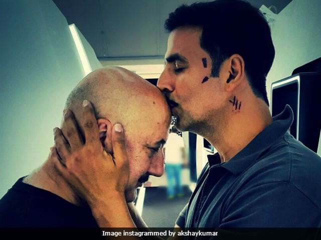 Akshay Kumar and Team Naam Shabana celebrated Anupam Kher's birthday a day early
