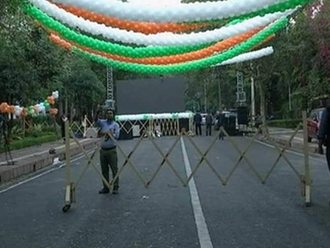 पंजाब-गोवा की हार : अरविंद केजरीवाल के घर के बाहर सजी सड़क और लगा डीजे, मगर जश्न न हो सका