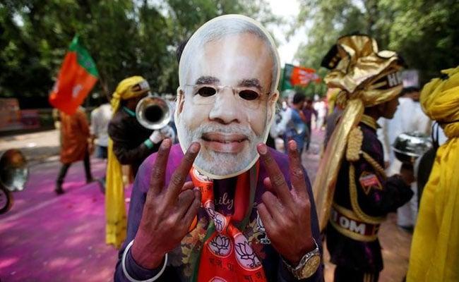 Assembly Election 2017: 'राहुल गांधी ने पंक्चर की अखिलेश की साइकिल' सोशल मीडिया पर चुटकियों की बहार