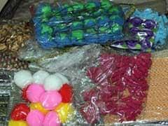 बेंगलुरु : खूबसूरत पैकिंग खोली तो 12 किलो ड्रग्स मिली, कुआलालंपुर जा रहा आरोपी गिरफ्तार