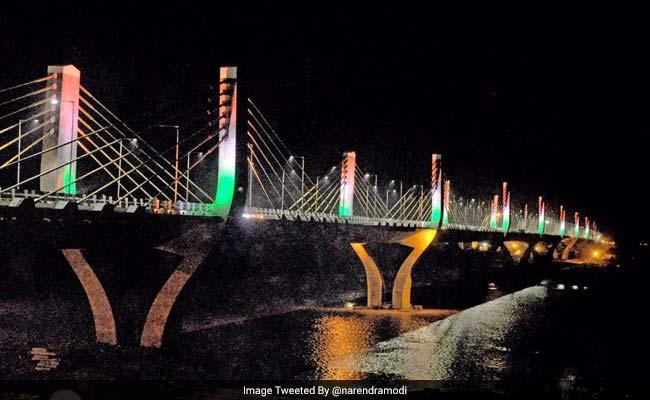 पीएम नरेंद्र मोदी ने गुजरात के भरूच में देश के सबसे लंबे केबल पुल का उद्घाटन किया, तस्वीरों के साथ जानें इसकी खासियत
