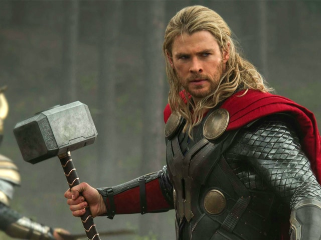 Thor: Ragnarok - Chris Hemsworth Debuts New Look, No Long Locks This Time