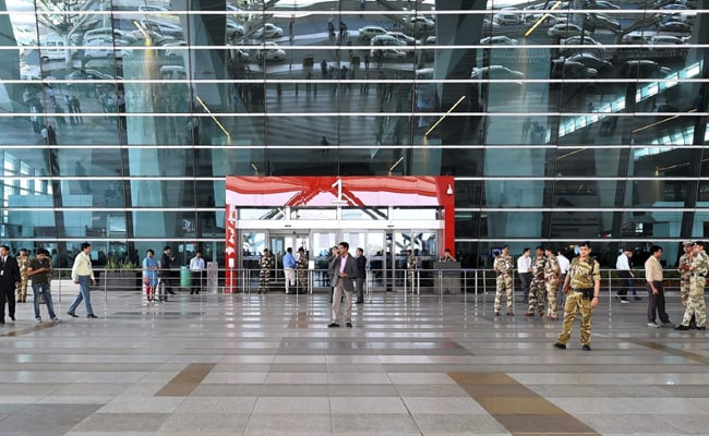 You May Soon Have To Carry Aadhaar Card Or Passport To Board Domestic Flight