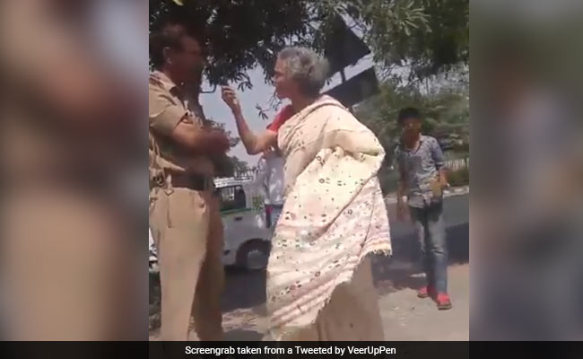 Video: Woman Threatens Delhi Cop, Claims She's Related To Top Court Judge