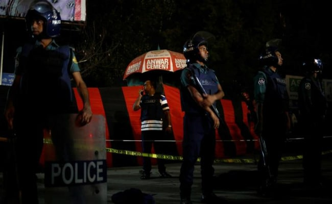 7 Killed As Bangladesh Police Raid Extremist Hideout In Dhaka