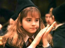 "Emma Watson Watches Harry Potter Outtake And Says, ""I Was Such A Loser"""