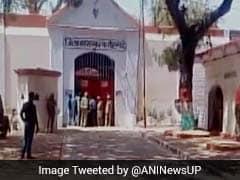 फर्रुखाबाद जेल में कैदियों का उपद्रव, जेलर सस्पेंड, 6 बंदी रक्षकों को हटाया गया
