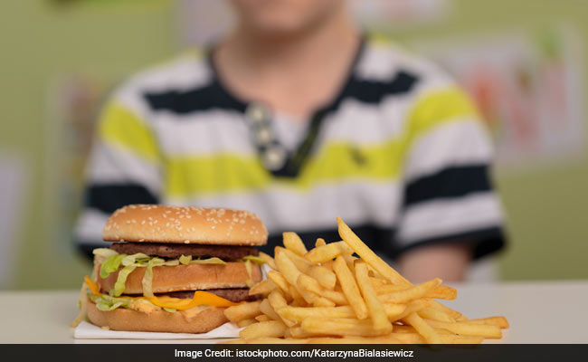 Another Reason To Stop Eating Fast Foods: They Have More Calories Than 30 Years Ago