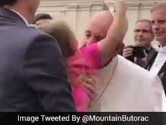 Sneaky Girl Meets Pope, Tries To Steal His Hat. Video Is Viral