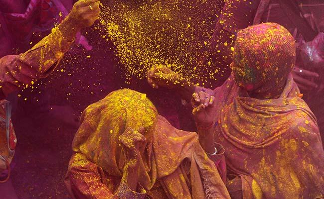 जानिए क्यों मनाते हैं रंग पंचमी त्यौहार और इससे जुड़ी मान्यताएं