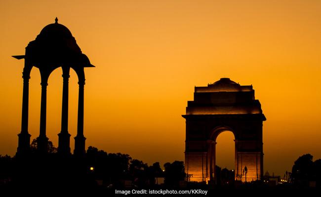 जल्द ही इंडिया गेट को रोशन करेंगे रंगीन फव्वारे, लाइट शो का मजा भी ले सकेंगे सैलानी