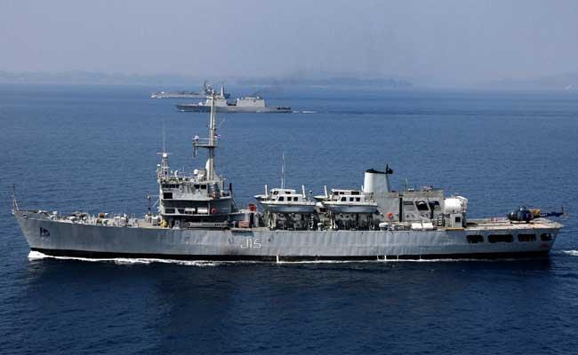 नेवी के जहाज पर नाविक ने अपने अफसर को जड़ा थप्पड़, झगड़ा रोकने के लिए हेलीकॉप्टर बुलाना पड़ा