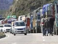 Jammu-Srinagar Highway Closed After Landslide, 2,000 Vehicles Stranded