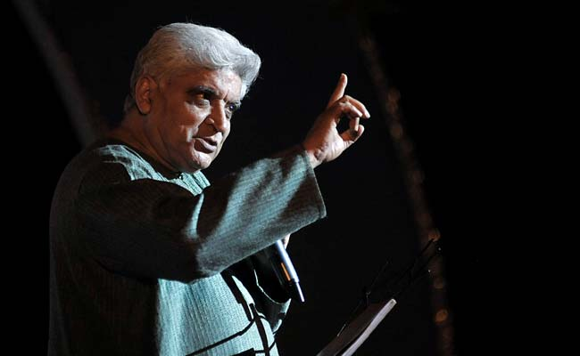 Javed Akhtar Takes Back 'Harsh Words' After Virender Sehwag's Tweet