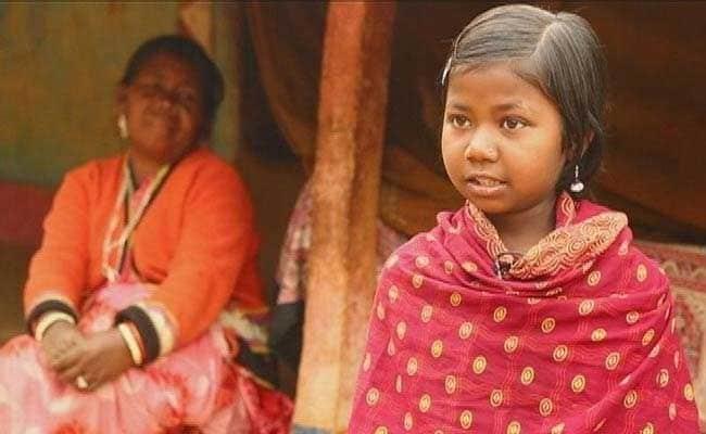 VIDEO: झारखंड के इस गांव में खरगोश और चूहे खाकर भूख मिटाने को मजबूर हैं बच्चे